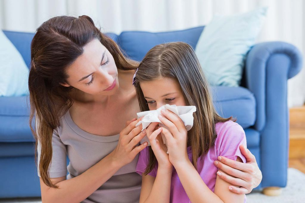 bambina-mamma-allergia
